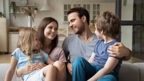 Comment aborder le sujet du maintien à domicile avec un proche ?
