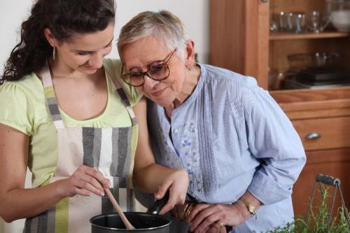 Comment adapter son quotidien lors d'un maintien à domicile ?