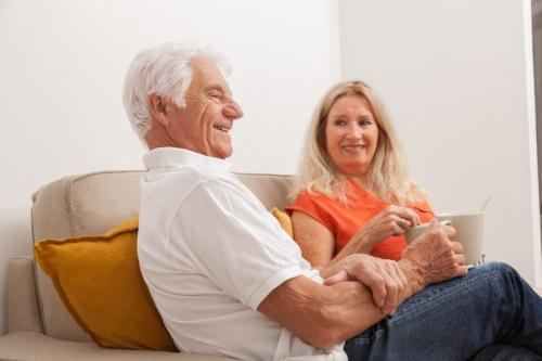 Comment accueillir un proche âgé chez soi ?