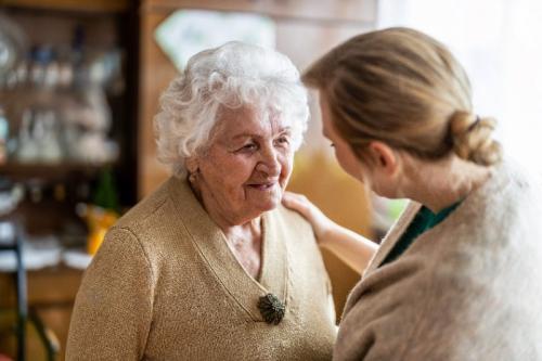 Comment garantir la meilleure aide aux personnes âgées ?